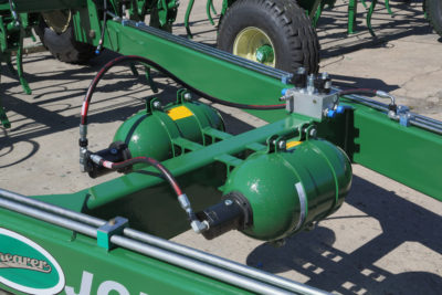 20L Accumulators on the Mk3 Universal Seeder Bar